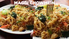 The Best Maggi Chowmein Recipe - YouTube Spaghetti Recipes, Pasta Salad Recipes, Maggi Recipes, Bistro Food, Ramadan Recipes, Yummy Food, Delicious Meals, Dessert Recipes, Desserts
