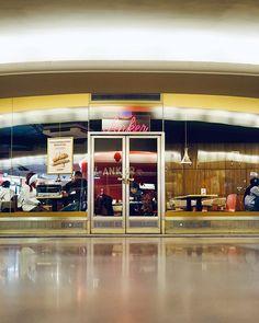 Ankerman  #anchorman #wien #vienna #anker #1010wien #oper #karlsplatz #staatsoper #innerestadt #opernpassage #neon #neonlights #neonsign #neonsigns #austria #igersvienna #igersaustria #urbex #streetphotography #agameoftones #moodygrams #moody #photowalk #visitaustria #visitvienna #wienliebe #1000thingsinvienna #sonyalpha #sonyalpha7 #inlovewithvienna Visit Austria, Vienna Austria, Alpha 7, Photo Walk, Street Photography, Neon Signs, Lights, Photos, Pictures