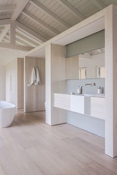 This modern bathroom design is perfectly at home in this refurbished barn house Basement Bathroom, Bathroom Wall Decor, Small Bathroom, Colorful Bathroom, Washroom, Bathroom Remodeling, White Bathroom, Bad Inspiration, Bathroom Inspiration