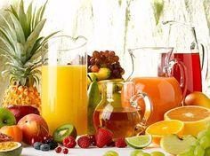 Três receitas deliciosas para liberar as toxinas acumuladas pelo corpo Para liberar as toxinas acumuladas no corpo pela alimentação em excesso, pelo consumo de alimentos inadequados e até mesmo pel…