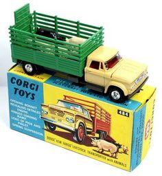 "Corgi Toys 484 Dodge Kew Fargo Farm Beast Truck with pigs and ""hay"""