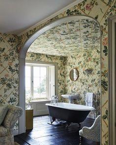 richard smith english manor bathroom Tranquil Bathroom, English Manor Houses, English House, English Style, Herringbone Tile, Bathroom Paint Colors, Antique Lighting, Home Wallpaper, Beautiful Bathrooms