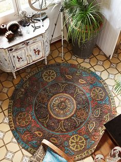 Ideas for home decoration for 2018 arrived! Take a look at these creative ideas and let your imagination flow! For more inspirations tap on the image! 2017 Interiors, Rugs, Mandala Rug, Home Trends, Home Decor Trends, Trending Decor, Rug Design, Interior Trends 2016, Interior Trend