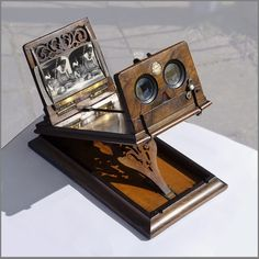 Rowsell's Graphoscope – http://khnemo.wordpress.com/antique-3-d-cheesecakes-from-swell3d-antique-stereoscopes-from-ortskundeprufung/