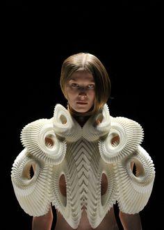 Iris Van Herpen - This should be pinned on my Sculpture board too. Wow