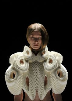 Iris Van Herpen - This should be pinned on my Sculpture board too. Wow