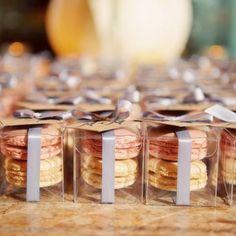 Dupla de Macarons - lembrançinha de casamento