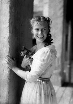 """Kadr z filmu """"Zemsta"""", 1956. Beata Tyszkiewicz"""