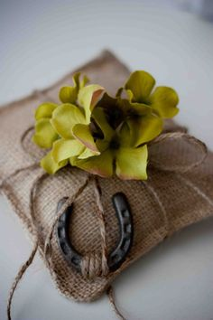 cute burlap ring pillow for the ring bearer.