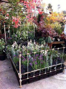 Vintage Garden Decor Creative Ideas_36
