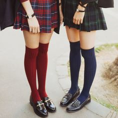 Veronica Sawyer and Heather Chandler Look Fashion, Korean Fashion, Womens Fashion, Aesthetic Fashion, Aesthetic Outfit, Fashion Goth, Aesthetic Girl, Outfits Inspiration, Style Inspiration
