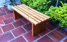 Banco ripado madeira maciça no Elo7 | Lalo Art Decor (BDFD75) Outdoor Furniture, Outdoor Decor, Bench, Home Decor, Rustic Bench, Wooden Stools, Backyards, Solid Wood, Crafts