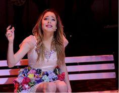 Tini Stoessel en Violetta en Vivo Latinoamerica. <3