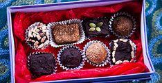 Easy Choc Truffles, Peanut butter and Chocolate balls – Raw Gourmet Truffles