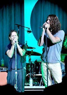 Ed + Chris....Eddie is mega short... I'm pretty sure Chris is just... normal. lol