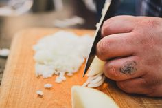 A Crash Course to Knives, from Choosing Blades to Chopping Onions [Infographic] |Foodbeast