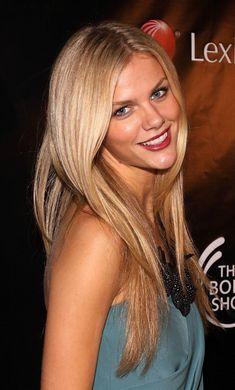 Beauty Insider: Model Brooklyn Decker Shares Her Beauty Secrets Brooklyn Decker Hair, Hair Heaven, Thing 1, Holiday Hairstyles, Long Locks, Beauty Inside, Crazy Hair, Beauty Secrets, Beauty Ideas