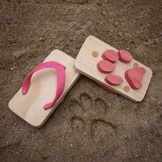 Ashiato Cat Medium by Kaz Shiomi for Kukkia // make cat prints in the sand! #productdesign #toydesign
