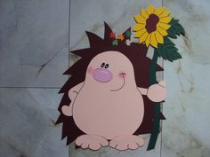 Window pictures Tonkarton Autumn: Hedgehog boy with a sunflower in his paws € . Origami, Easy Drawings, Life Is Beautiful, Paper Flowers, Hedgehog, Diy And Crafts, Disney Characters, Fictional Characters, Kindergarten