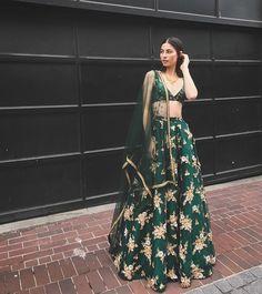 wore the Field Bustier x Dahlia Green Skirt for a Punjabi reception in Calgary this past week 😍😍 . Love how she mixed and… Indian Lehenga, Lehenga Choli, Anarkali, Saree, Punjabi Lehenga, Lehnga Dress, Indian Bridal Outfits, Indian Designer Outfits, Lehenga Designs