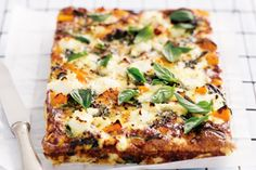 A no-crust quiche is light, low carb and perfect for breakfast, lunch or dinner.