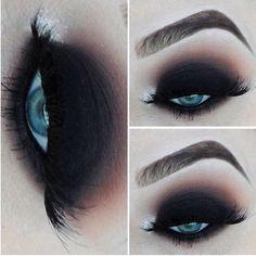 20 Perfect Club Makeup Looks Featuring Sexy Smokey Eyes! Makeup Fx, Club Makeup, Sexy Eye Makeup, Black Eye Makeup, Glitter Eye Makeup, Love Makeup, Beauty Makeup, Hair Makeup, Makeup Eyes