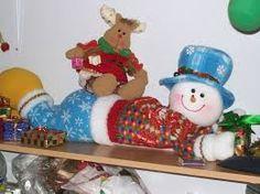 Resultado de imagen para muñecos de navidad patrones Christmas Crafts, Christmas Decorations, Christmas Ornaments, Holiday Decor, Gold Embroidery, Machine Embroidery, Snowman, Teddy Bear, Snoopy