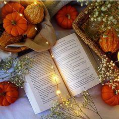 Bom fim-de-semana :) .  Credits to @blissful_reveries .  #bookworm #goodreads #igreads #goodreads #book #instabook #bookgram