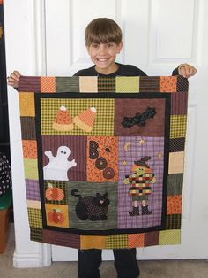 Halloween quilt this is adorable