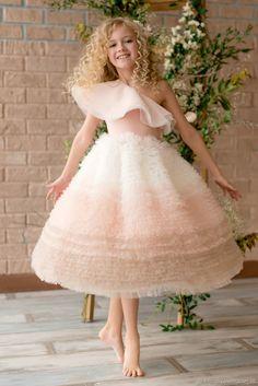 Baby Girl Party Dresses, Toddler Girl Dresses, Little Girl Dresses, Flower Girl Dresses, Lace Flower Girls, Gowns For Girls, Girls Dresses, Dresses For Children, Moda Kids