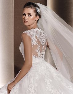 RAVEN - Princess wedding dress in lace. | La Sposa