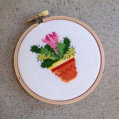 Cactus cross stitch by House of Miranda (https://www.etsy.com/shop/houseofmiranda)