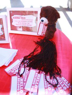 "Teddy bear ""name tags.""    Lilly's 1st Birthday - Teddy Bear Picnic  http://macdonaldsplayland.blogspot.com/2012/11/lillys-1st-birthday-party-teddy-bear.html"