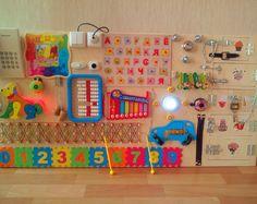 Spielzeug für Kinder aus 6months und bis zu 5-7 Jahre. Beschäftigt Boards entwickelt * Koordinierung * Phantasie * Ausdauer * Kenntnisse der Verwendung von einfacher Sperren * Feinmotorik VERSAND: 18-30 Tage ================================= Alle Produkte im Shop sind in der Größenordnung von 5 bis 19 Tage gefertigt. Die Farbe, Größe, Form, Objekte können vom Foto abweichen. Exakte Wiederholung ist nicht möglich. ============================== Danke)