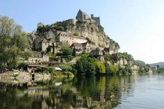 Beynac is in the Dordogne region of southern France, perfect for bicycle touring. The town itself is best known for the French castle dating from the 100 Years war. The English castle is located just upstream and across the river.