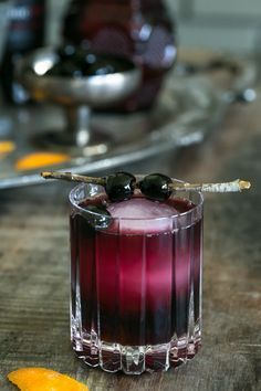 Red Moon Over Manhattan Cocktail Recipe - Sugar and Charm - sweet recipes - entertaining tips - lifestyle inspiration