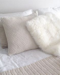 Almohadón Pier Deco, Throw Pillows, Bed Covers, Spaces, Room, Yurts, Toss Pillows, Cushions, Decor