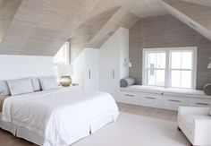 Adorable 16 Smart Attic Bedroom Design Ideas Makes me wish for a loft conversion…But then I think of the mess and decide against it! The post 16 Smart Attic Bedroom Design Ideas Makes me wish for a loft conversion…But th… appeared first on Decor Designs . Attic Bedroom Closets, Attic Master Bedroom, Attic Bedroom Designs, Bedroom Closet Design, Attic Design, Upstairs Bedroom, Closet Bedroom, Home Bedroom, Attic Bathroom