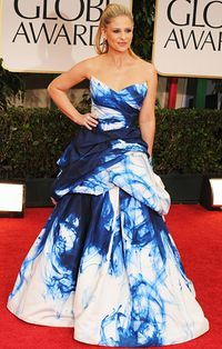 Sarah Michelle Gellar in a Monique Lhuillier blue and white tie dye gown at the 2012 Golden Globe Awards.