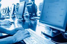 A lesão causada pelo desempenho de atividade repetitiva e contínua - como tocar um instrumento, trabalhar no computador, fazer crochê - pode ser denominada como Lesão do Esforço Repetitivo (LER). As informações são do site Minha Vida.