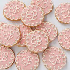 DIY Monogrammed Cookies! Perfect for Bridal Showers & Weddings!