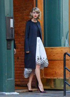The Secrets to Taylor Swift's Style | Cover Girl – A Modest Fashion Blog