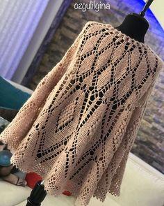 Günaydın Panço şalım bitti ve size söz verdiğim gibi şemasıyla birlikte paylaşıyorum. Bundan sonra şema paylaşmayacağım konusunda çok… Crochet Scarves, Crochet Shawl, Crochet Tops, Crochet Patterns, Blanket, Shorts, Fashion, Cape Clothing, Cowl