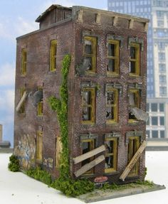 Abandoned Downtown Building ~ HO Scale Model Trains