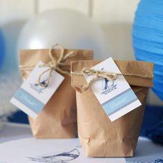 Papieren Geschenkzakjes | Hijs de Zeilen #verjaardag #jubilee #birthday #jubileum #presents #gifts #guests #sailor #boat #party #Beaublue