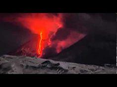 L'eruzione spettacolare del vulcano Kliuchevskoi http://tuttacronaca.wordpress.com/2013/10/31/kliuchevskoi-lo-straordinario-video-del-vulcano-in-eruzione/