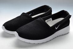 Nike Roshe Run Slip on Mens Black White