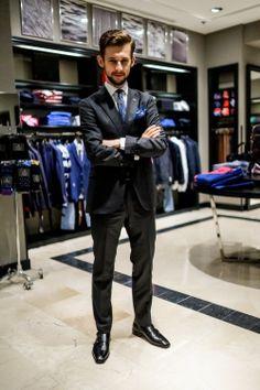 Skoro Justin Timberlake i Jay-Z mogą zakładać smokingi od Toma Forda bez żadnego powodu, to czemu ja nie miałbym robić tak z garniturem? :)  http://secondhanddandy.pl/2014/06/niecodzienny-stroj-codzienny.html