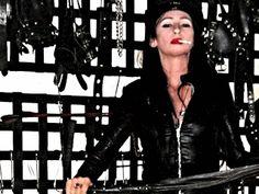 Herrin Cleo mobi Gallerie #Herrin #Mistress #Domina #Dominatrix #BDSM