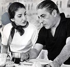 Maria Callas & Aristotelis Onassis had a torrid love affair for many years & was heartbroken when Onassis married Jackie Kennedy. Maria Callas, Jacqueline Kennedy Onassis, Robert Kennedy, Caroline Kennedy, Master Class, Divorce, Lee Radziwill, Celebrities Then And Now, Famous Couples